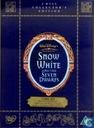Snow White and the Seven Dwarfs [lege box]