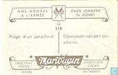 Images d'album     - Martougin - Opvouwen van een valscherm.