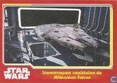 Stormtroopers Omcirkelen de Millennium Falcon