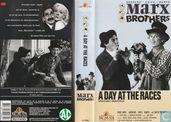 DVD / Vidéo / Blu-ray - Bande vidéo VHS - A Day at the Races