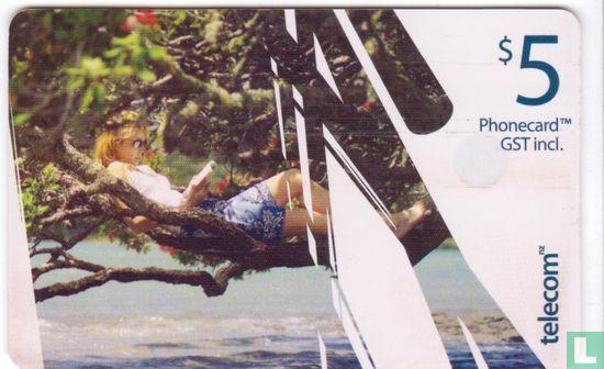 Telecom New Zealand - A Kiwi Summer  l