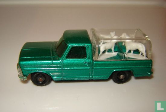 Ford Kennel Truck - Image 1