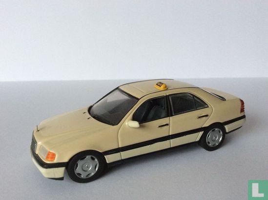 MiniChamps (Paul's Model Art) - Mercedes-Benz C 200 D Taxi