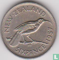 New Zealand 6 pence 1957 (without shoulder strap) - Image 1