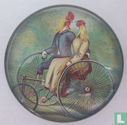 2 kippen op Otto-fiets  - Afbeelding 1