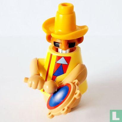 Ferrero - Gonzalo, gele hoed nr 4
