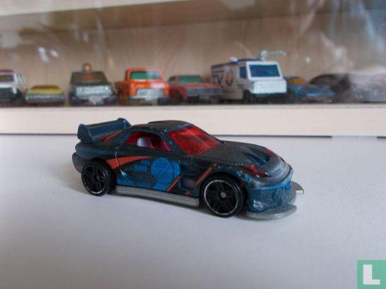 Mattel Hot Wheels - Mazda RX7 2000 '24/Seven'