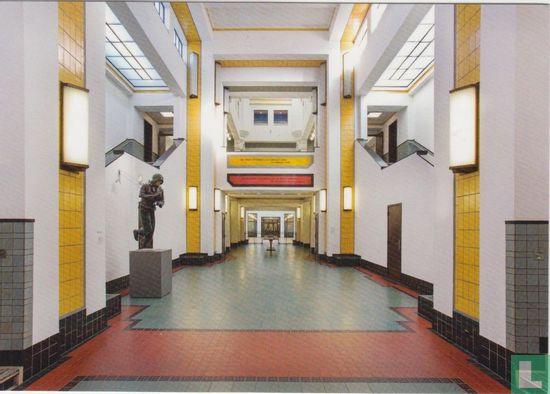 Den Haag - Kunstmuseum Den Haag, centrale hal