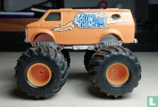 Matchbox Int'l Ltd. (Matchbox Toys Ltd.) - Chevy Van 'Rollin' Thunder'