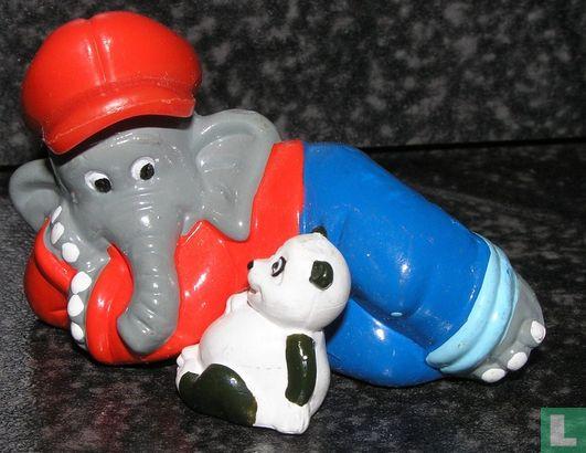 Benjamin the Elephant - Benjamin Blümchen Adjoining panda