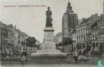 Maastricht Boschstraat met standbeeld Minckeleerse en St Mathiaskerk