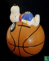 Snoopy on Basketball (Sport Ball Series)