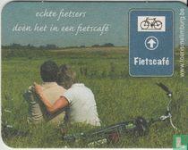 Echte fietsers doen het in een fietscafé kopen