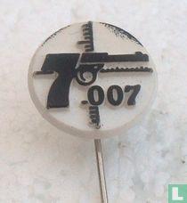 007 [black on white]