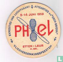 Vliegherdenkingsfeesten Exposities van luchtvaart attrakties / 3Hoefyzers bier Breda