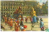 Brussel - De Ommegang in 1935 opnieuw samengesteld. Sint Michiel met het Zinnebeeld der Gerechtigheid en het Ros Beiaard met de 4 Heemskinderen