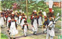 """Walcourt - De militaire """"Marsch"""" van Onze-Lieve-Vrouw. De stafdrager gaat voor de sapeurs uit"""