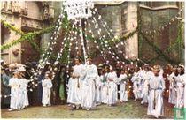 Hoei - De Processie der Mariale Feesten. De Rozenregen