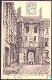 Calais, Porte d'entree de l'ancien Hotel de Guise