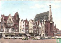Béthune, Un coin de la Grand'Place et l'Hôtel de Ville