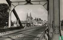 Deventer, IJsselbrug en Bergkerk