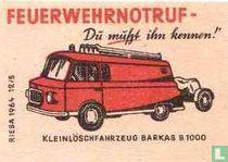 Feuerwehrnotruf -Klein losch fahrzeug Barkas b1000
