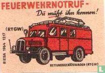 Feuerwehrnotruf -Rettungs Geratewagen