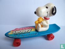 Snoopy Woodstock & on skateboard