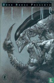 Dark Horse Presents: Aliens (Platinum Edition)