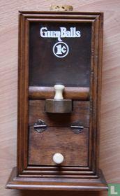 Houten Gumball Machine
