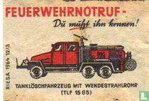 Feuerwehrnotruf - Tanklöschfahrzeug mit Wendestrahlrohr (TLF15G5)