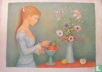 Meisje met fruitschaal en bloemenvaas.