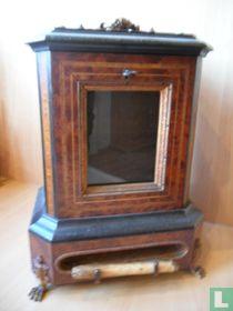 Antieke zeldzame sigarenautomaat uit 1820-1840