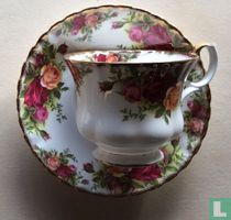 Kop Ø 8,9 cm en schotel - Old Country Roses - Royal Albert