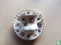 Kop Ø 7,4 cm en schotel - Sweet Violets - Royal Albert