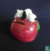 Snoopy on Appel (Fruit series)