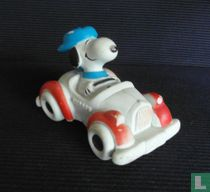 Snoopy in auto