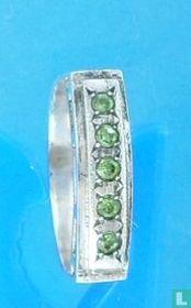 Zilveren ring met greinenzetting