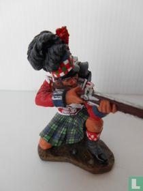 Highlander Kneeling Firing (NA050)
