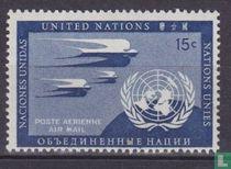 Schwalben und UN-Emblem
