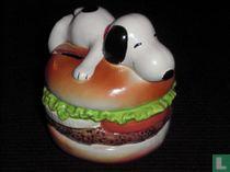 Snoopy op hamburger (Junk Food Series)