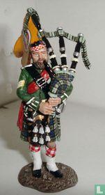 91st Highlander Piper
