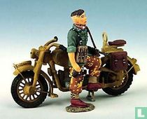 Single MC with Dismounted Dispatch Rider