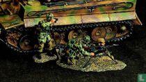 FJ  A Three Man MG42 Machine Gun Set