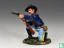 Kneeling Officer w / Pistol and Carbine