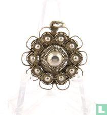 Zilveren Hanger,Met 11 Zeeuwse Knopen