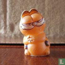 Garfield met gevouwen handen op borst