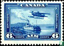 Watervliegtuig boven de Mackenzie