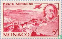 Vliegtuig boven de haven van Monaco