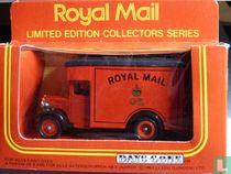 Large parcels van 'Royal Mail'